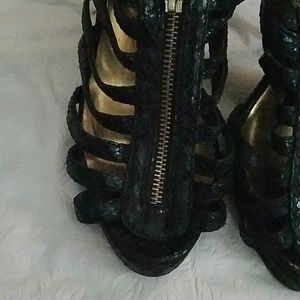 Wild Rose Shoes - Wild Rose Black Zipper Front Heels Sz 8.5